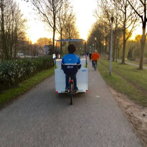 albert heijn bezorger fietspad cargobike